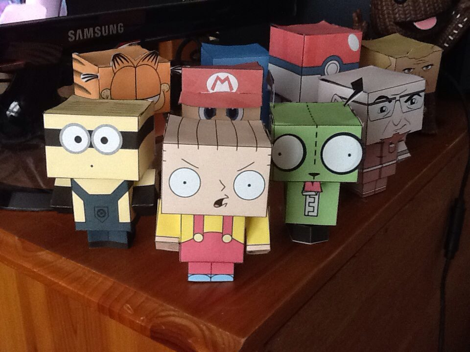 Stewie, Minion, Gir, Mario, Garfield, Pokeball and more