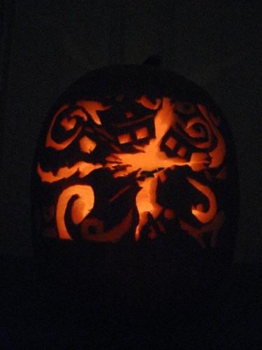 Exploding-TARDIS-Pumpkin-Carving