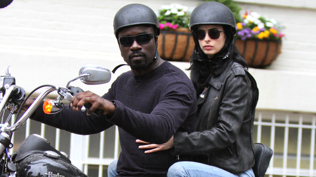set_mike_colter_krysten_ritter_jessica_jones