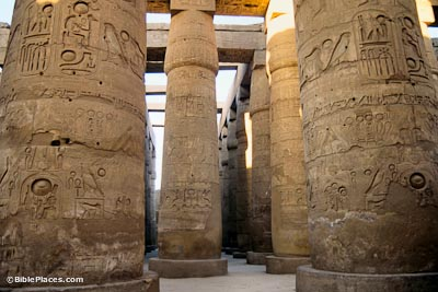 Karnak-Temple-hypostyle-hall-tbs59159012-bibleplaces
