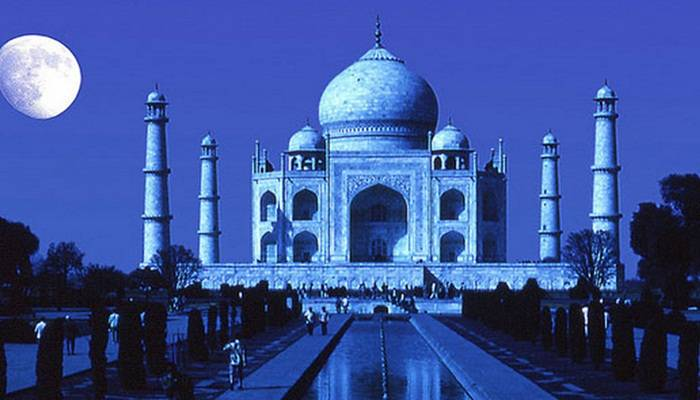 Soon-you-can-book-online-tickets-for-night-visit-to-Taj-Mahal